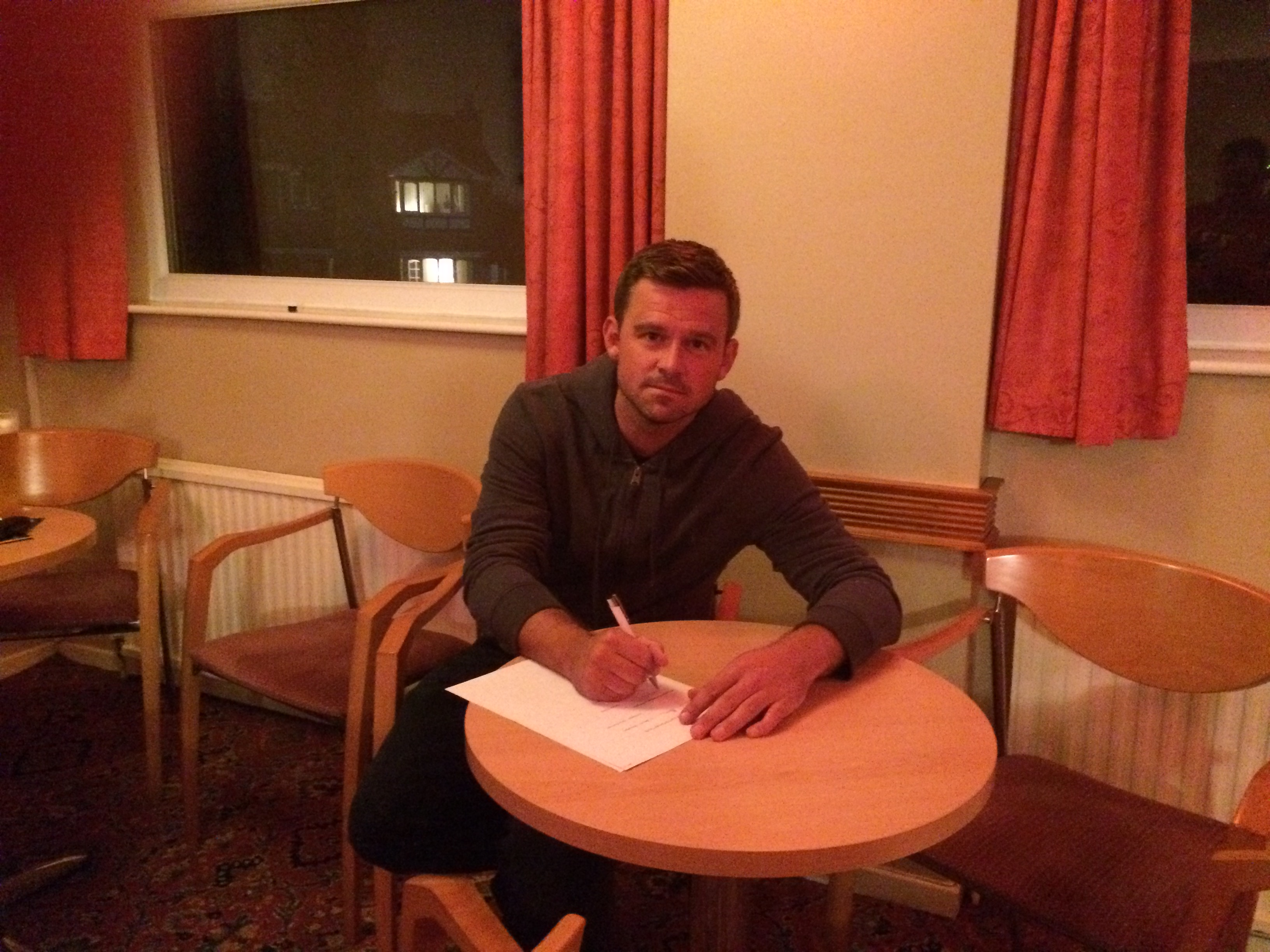 Gareth Cross puts pen to paper